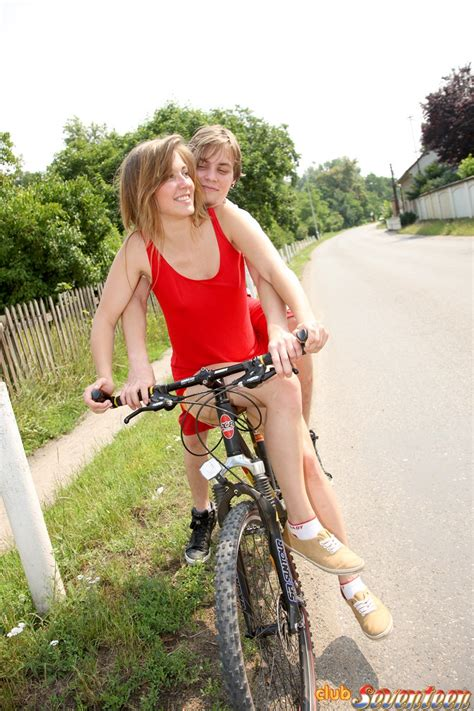 nude babes getting nailed on bikes